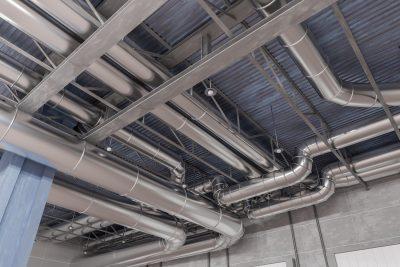 Komu zlecić czyszczenie wentylacji hali produkcyjnej