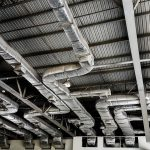 Wentylacja hali przemysłowej – o czym należy pamiętać?
